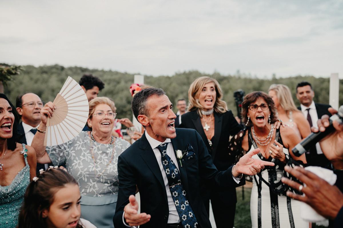 La-mejor-musica-para-hacer-de-tu-boda-una-fiesta-09