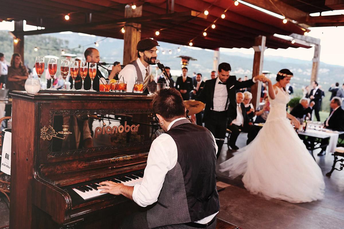 La-mejor-musica-para-hacer-de-tu-boda-una-fiesta-12