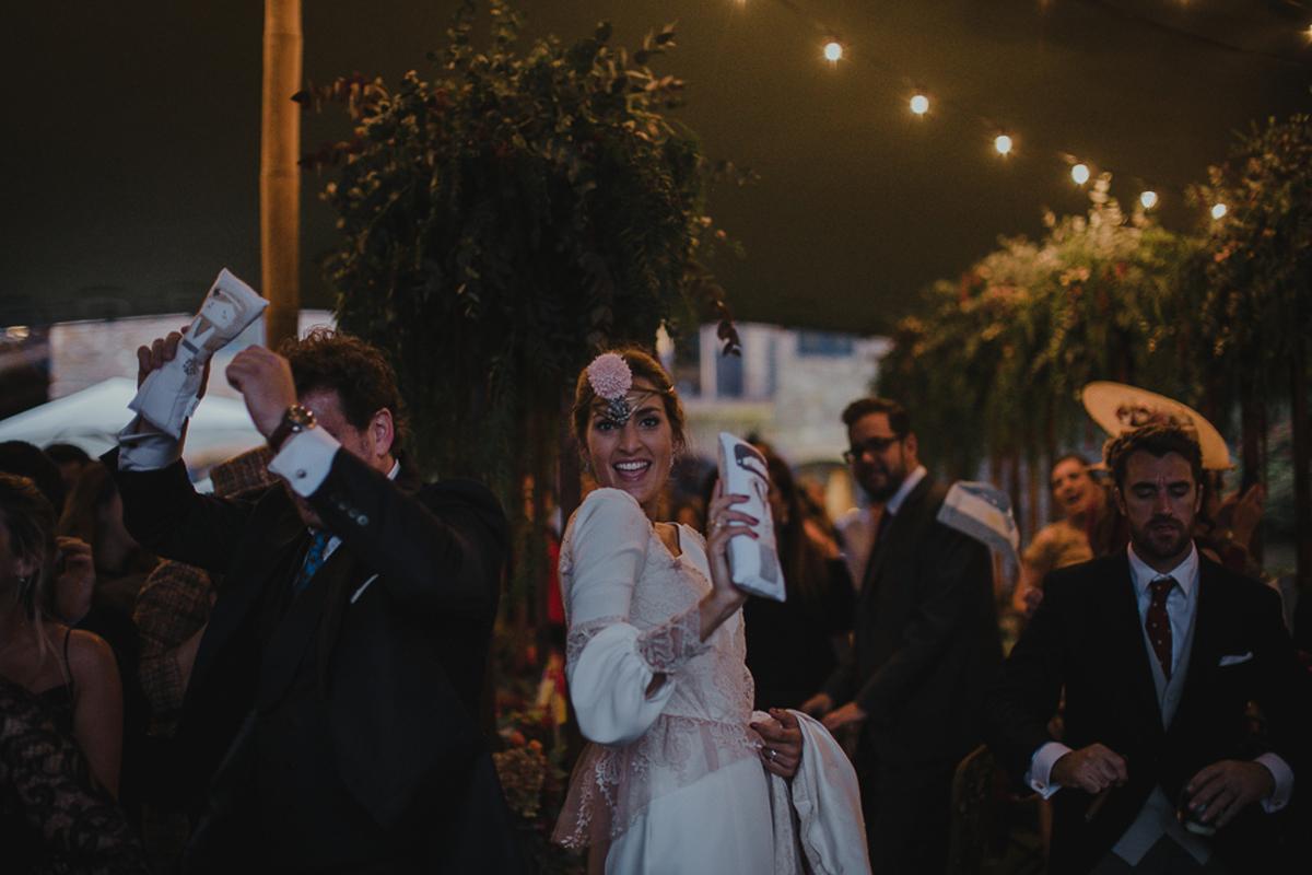 La-mejor-musica-para-hacer-de-tu-boda-una-fiesta-18