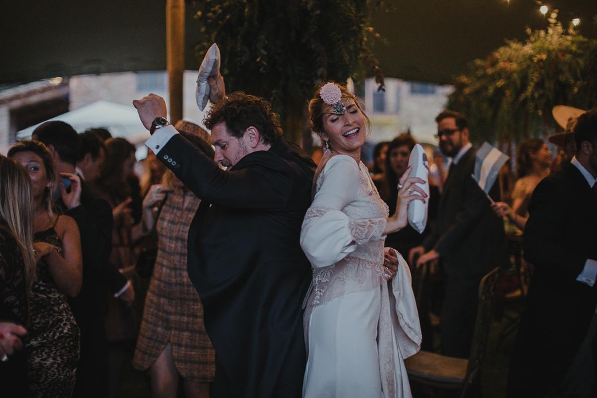 La-mejor-musica-para-hacer-de-tu-boda-una-fiesta-19