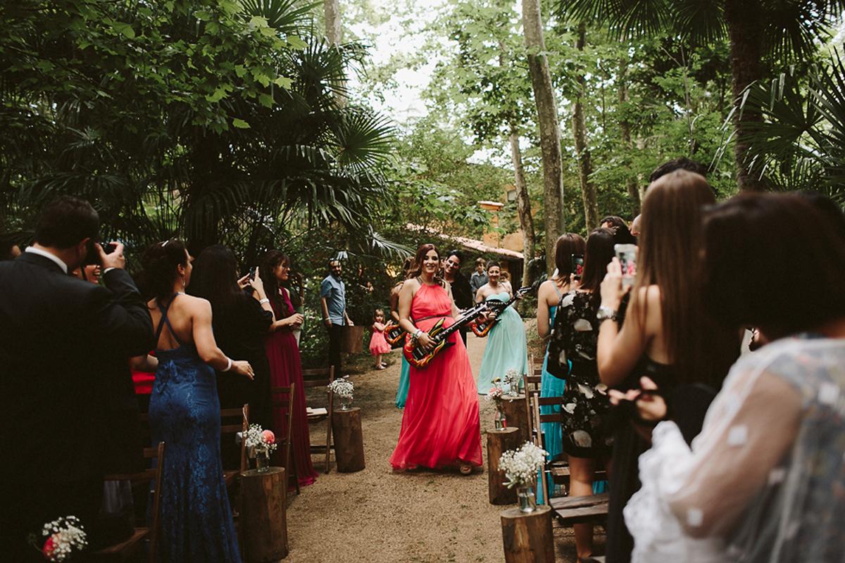La-mejor-musica-para-hacer-de-tu-boda-una-fiesta-26