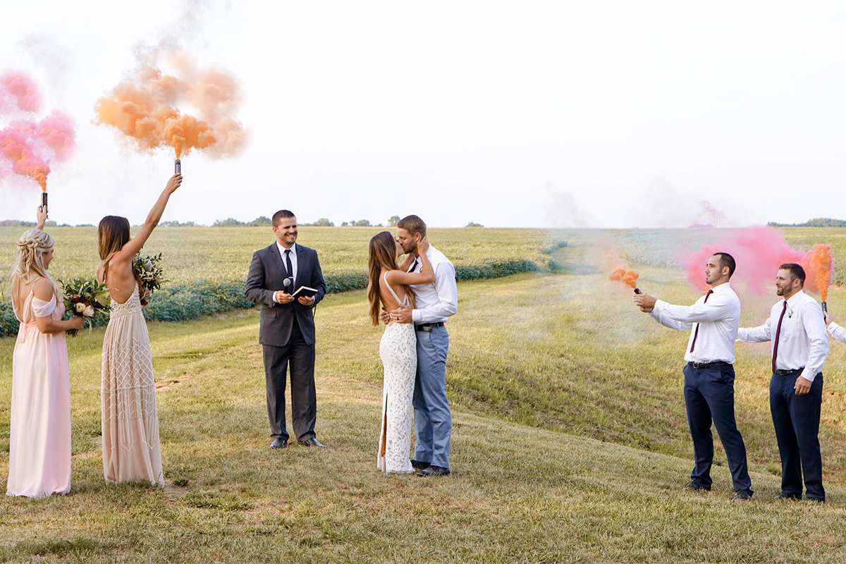 Cuando-utilizar-humo-de-colores-en-bodas-01