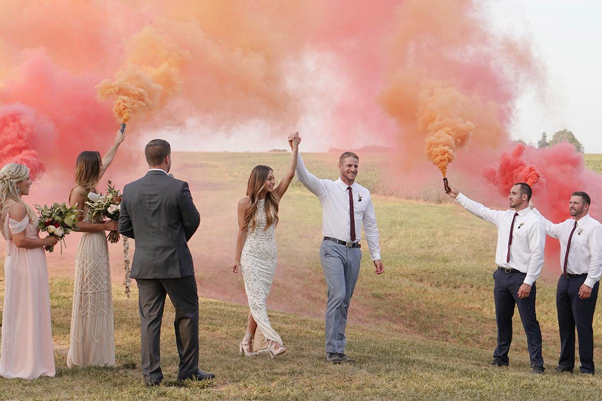 Cuando-utilizar-humo-de-colores-en-bodas-03