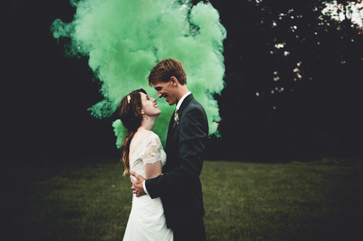 Cuando-utilizar-humo-de-colores-en-bodas-09
