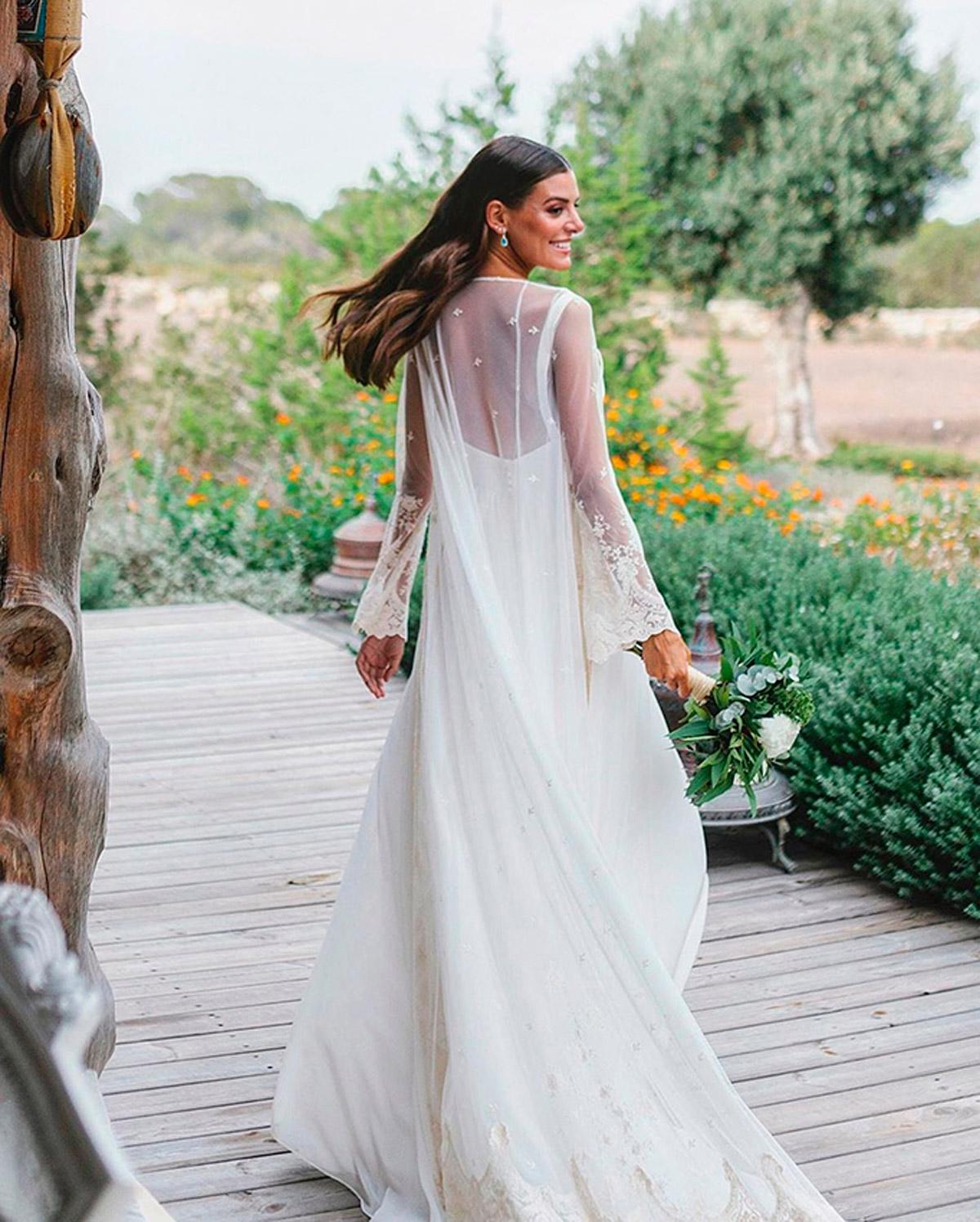vestido novia con chaqueta tul