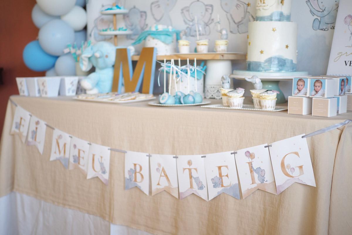 Mesa dulce para bautizo con temática elefante